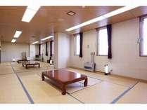 和室3間(26畳)201~203。4~12名様団体プランのお部屋。空冷蔵庫、テレビ、湯沸かしポット有
