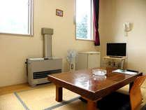 和室208(4・5畳)。1名様向けにご用意しております。空冷蔵庫、テレビ、湯沸かしポット有