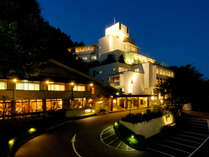 ≪ホテル長良川の郷≫静寂とやさしい明かり、プライベート感あふれるご滞在をお楽しみください。