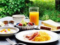 *朝食ブッフェ(素材にこだわった自慢の朝食)ホテルオークラ特製カレー、和洋とりそろえた献立が好評♪