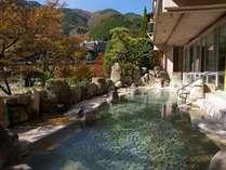 【秋の彩り5大特典】色浴衣で食べ歩き街散策♪飛騨牛と温泉で季節を楽しむ紅葉プラン☆