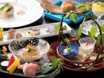 若楠ポーク鉄板焼がメインの『四季懐石』旬の食材をご堪能ください(6/1から8/31までの料理イメージ)