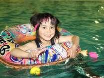 お子様も大喜びのプールで遊ぼう!