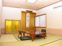 純和風のお部屋でお寛ぎください。
