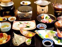 春夏<満足三昧会席>新鮮なお造りに熱々国産牛の陶板焼き、幻の高級魚「のどぐろ」などお楽しみ下さい。