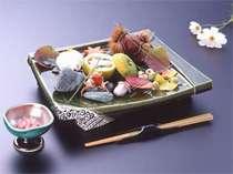 【夕食】料理人が丹精込めて作る彩り豊かな料理の数々