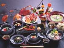 【夕食】名陶「出西焼」が料理を引き立てます