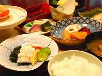 【1泊朝食付】日本三大美人湯を源泉かけ流しで愉しもう。≪体に優しい和朝食付≫