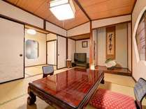*1F和室(トイレ付)/しっとりと落ち着いた雰囲気のお部屋でのんびりとお寛ぎ下さい。
