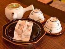*ご到着後、まずは美味しいお茶と甘いお菓子でホッとひと休み。