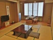 お部屋入口のアプローチも広くバリアフリータイプの客室(全室ウォッシュトイレ付)