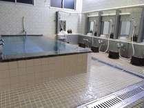 大浴場なので足を伸ばしてごゆっくりできます!観光、ビジネスで疲れた体も大浴場でリフレッシュ!!