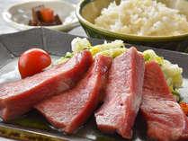 国産牛タンならではの柔らかさと牛本来の旨味をお愉しみいただけます