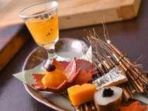 秋料理:【前菜】糸瓜 絹カツギ 燻り太刀