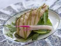 春料理:【焼物】鰆若草焼き ベビーリーフ