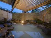 大浴場露天風呂/源泉かけ流し硫黄泉