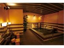 男性浴室、サウナ、水風呂(15-24時、6-10時)