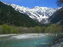 絶景の上高地。4月中旬が開山祭。