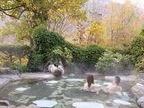 貸切露天風呂でホッコリ♪四季折々の景色を楽しみながら温まって下さい。