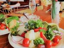 【朝食後はコーヒー&デザート付】瑞々しい果物や野菜中心のヘルシーな洋食 /私のカントリーNo.37掲載