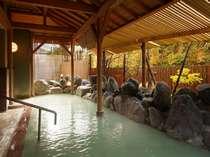 紅葉時期の露天風呂は風情があって感動しますよ♪