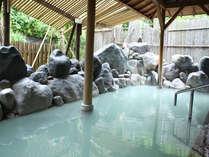 源泉の上に建っているのでお湯の質の違いがお分かり頂けるでしょう