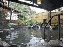 『露天風呂』7つの客室に6つの湯処。