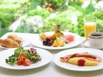 爽やかな朝はカフェレストラン・パルテールでの朝食からスタート!(バイキング)※イメージ