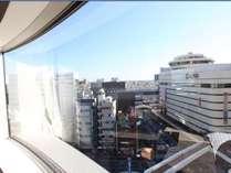 コーナーダブルからの眺め。角の無い大きめな窓がより開放的