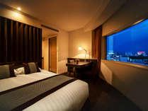■コーナーダブル(24平米)■心地よい静寂と、大きな窓からの景観を楽しむことのできるお部屋。