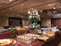 【宴会・会食】シーンあわせ、和洋中の3種から選べる種類豊富なお料理でお客様をもてなします。※イメージ