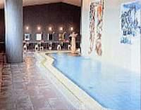 100%の源泉が溢れる大浴場。サウナも併設。
