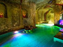 """""""当館名物""""なんと!地下30mの【洞窟風呂】。海洋深層水でお肌ツルツル♪"""