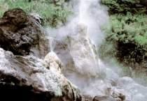 岩間温泉の噴泉塔