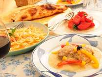 夕食は地元の素材を使ったイタリア風家庭料理
