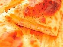 チーズたっぷりのカルツォーネ