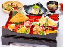 夕食はお手軽に松花堂スタイル(味覚プラン)