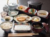 *【ご朝食一例(和食)】品数たっぷりの和食御膳