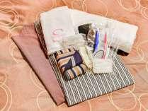 *【アメニティ】浴衣、タオル、歯ブラシ、ブラシ、綿棒、シャワーキャップなどをお部屋にご用意しています