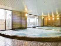 *【大浴場(男湯)】温泉ではありませんが、豊富な種類のお風呂が人気です。