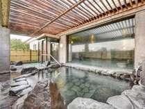 *【露天風呂(男湯)】開放感のある石造りの露天風呂