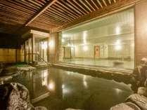 *【露天風呂(男湯)】夜風を感じながら露天風呂でゆっくりリラックス