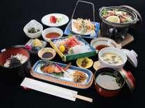 *【スタンダード夕食一例(おまかせ御膳)】加賀の美味しいものをぎゅっと凝縮しました
