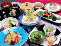 *【デラックス夕食一例(彩会席)】彩り華やかな豪華な会席です。