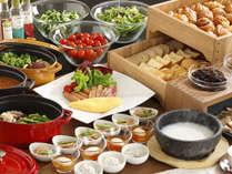 地場産食材を使用した和洋朝食ブッフェ