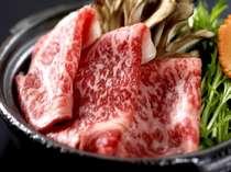 牛肉は当館の調理長が厳選した和牛を使用しております。どうぞ季節毎の調理法と合わせお楽しみ下さい。