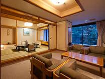 渓流を望む和室【10畳+リビング】