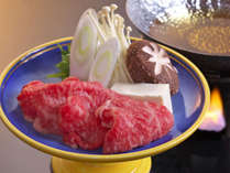 柔らかい和牛を出汁にくぐらせて。口いっぱいにお肉の旨さが広がる。