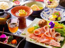 ~水上館のお任せ会席~下仁田豚のすき鍋などのお料理が楽しめるお任せ会席。