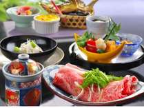 ~会席料理のご夕食イメージ~ 料理のイメ―ジ写真となり、実際のご提供内容は季節により異なります